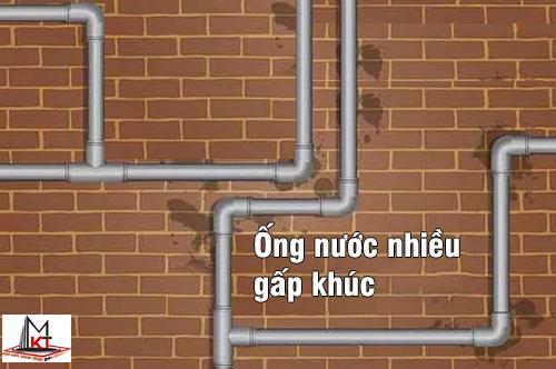 ong-nuoc-nhieu-gap-khuc