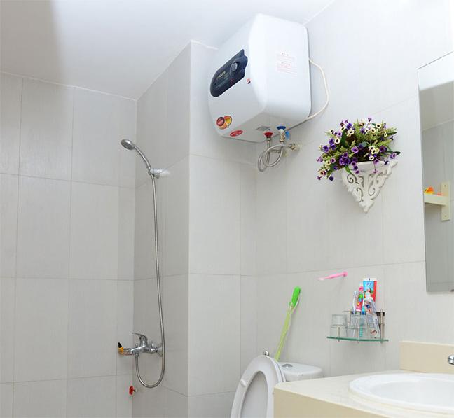 Lắp bình nóng lạnh nhà vệ sinh