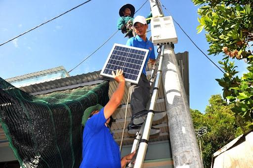 Lắp đèn năng lượng mặt trời giá rẻ